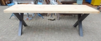 Tafel op industriële kruispoten  250 x 94 cm